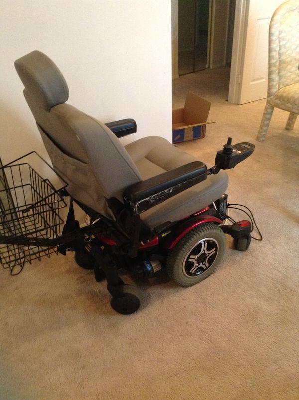 Quantum 600 electronic wheelchair for Sale in Boynton Beach, FL - OfferUp