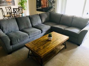 MATCHING TV CONSOLE & COFFEE TABLE - NEED GONE TODAY for Sale in Fairfax, VA