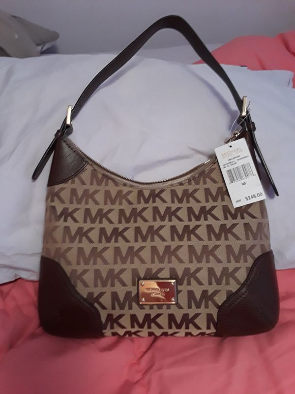 dfcdefc153fe3b Brand New/Never Used Michael Kors Purse for Sale in Chicago, IL ...