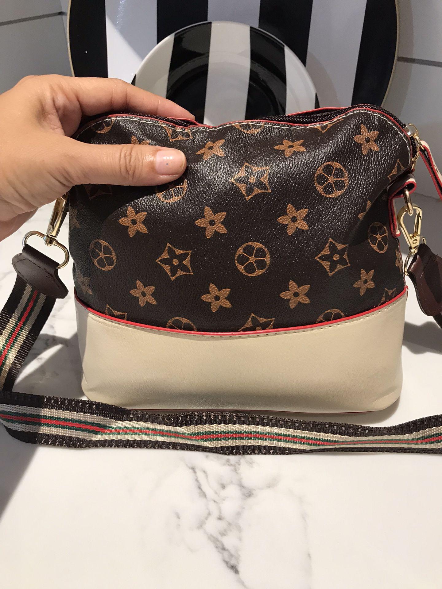 Big prints flower shells classic shoulder bag brown/beige color  $12