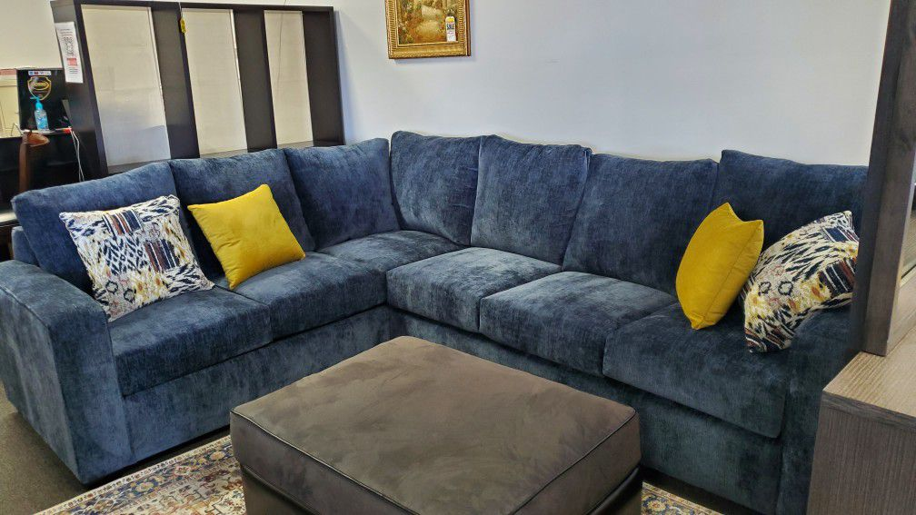 2pc Sectional,  Brand New
