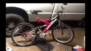 24 inch womens mountain bike for Sale in Phoenix, AZ