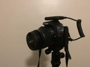 Canon rebel t6 2 lenses and tri pod for Sale in West Covina, CA