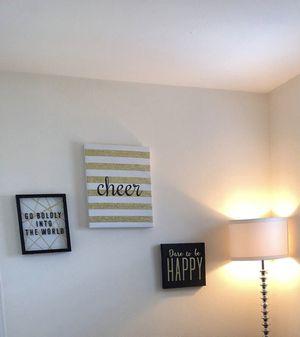 "60"" floor lamp, wall decor $50 for Sale in Las Vegas, NV"