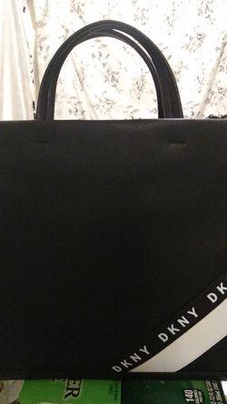 DKNY PURSE BRAND NEW Thumbnail
