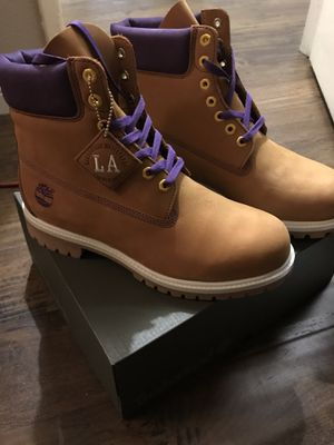 Men's Timberland custom waterproof 6 inch Lakers boots. for Sale in CTY OF CMMRCE, CA