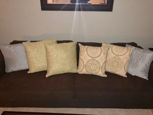 Throw accent pillows for Sale in Fairfax Station, VA