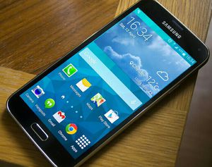 Samsung Galaxy S 5 , UNLOCKED .  Excellent Condition    ( as like New) for Sale in Springfield, VA