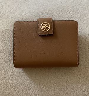 Tory Burch wallet for Sale in Cooksville, MD
