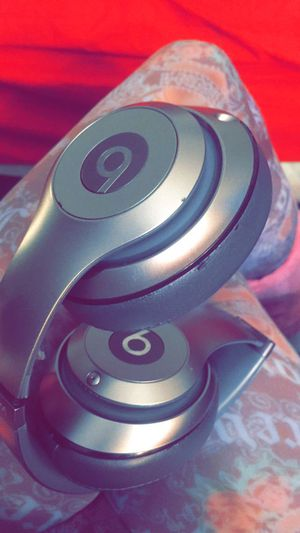 BEATS > headphones >see pictures for details for Sale in Miami, FL