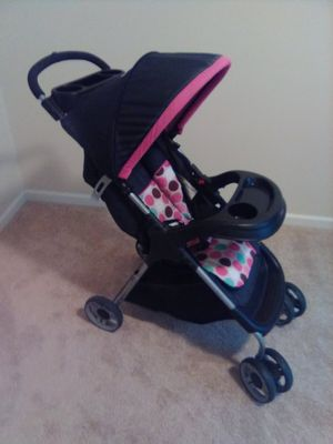 HI SELLING MY STROLLER NOTHING WRONG WITH IT PICK UP IN WATERTOWN for Sale in Watertown, NY