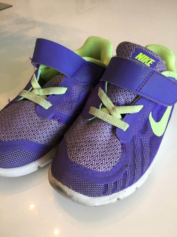 big sale 837f9 5319f Toddler Run Nike Free 5.0 Shoes Purple Girls Size 9 for Sale in San Diego,  CA - OfferUp