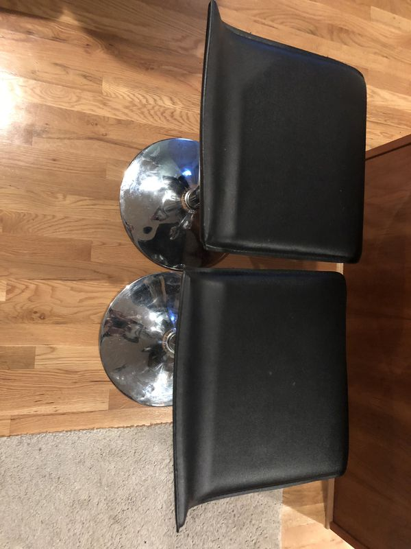 Two Bar Stools For Sale In Seattle Wa Offerup