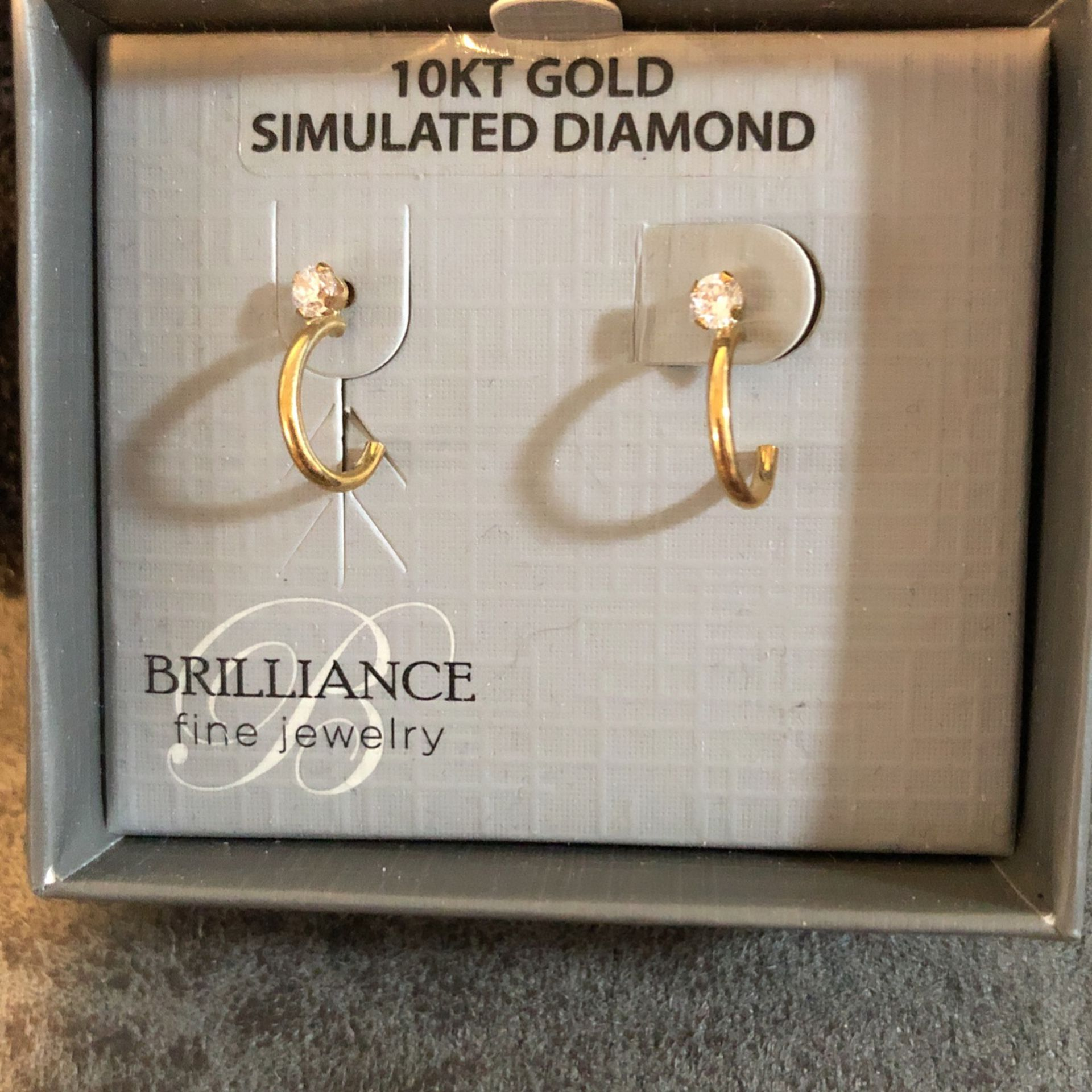 10 KT SIMULATED DIAMOND 💎 GOLD EARRINGS