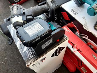 """MAKITA 18V BRUSHLESS 1/4"""" IMPACT WITH 2.0 BATTERY AND CHARGER 👍🤘👍🤘👍 Thumbnail"""