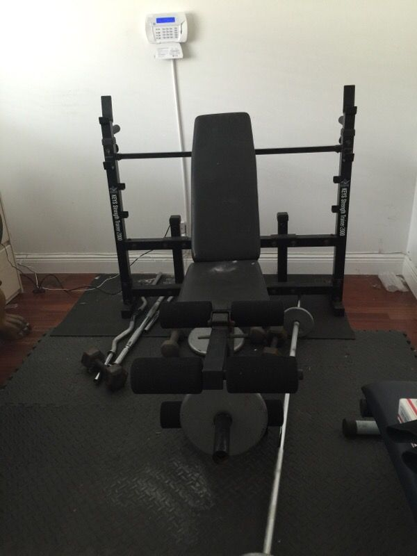 Keys Strength Trainer 2000 Weight Bench Bars And Weights