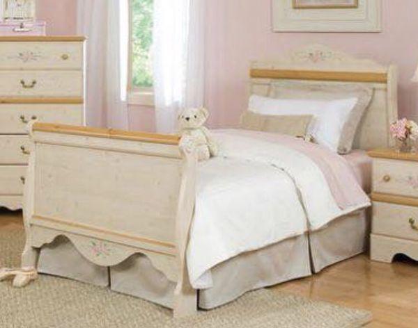 Kathy Ireland Princess Bouquet Sleigh, Kathy Ireland Bedroom Furniture