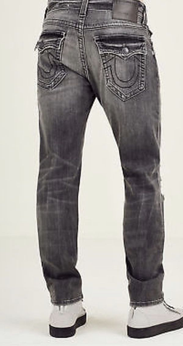 BRAND NEW True Religion Men's Size 31 Geno Relaxed Slim Distressed Jeans w/  rips in Grey Misfit for Sale in Apache Junction, AZ - OfferUp
