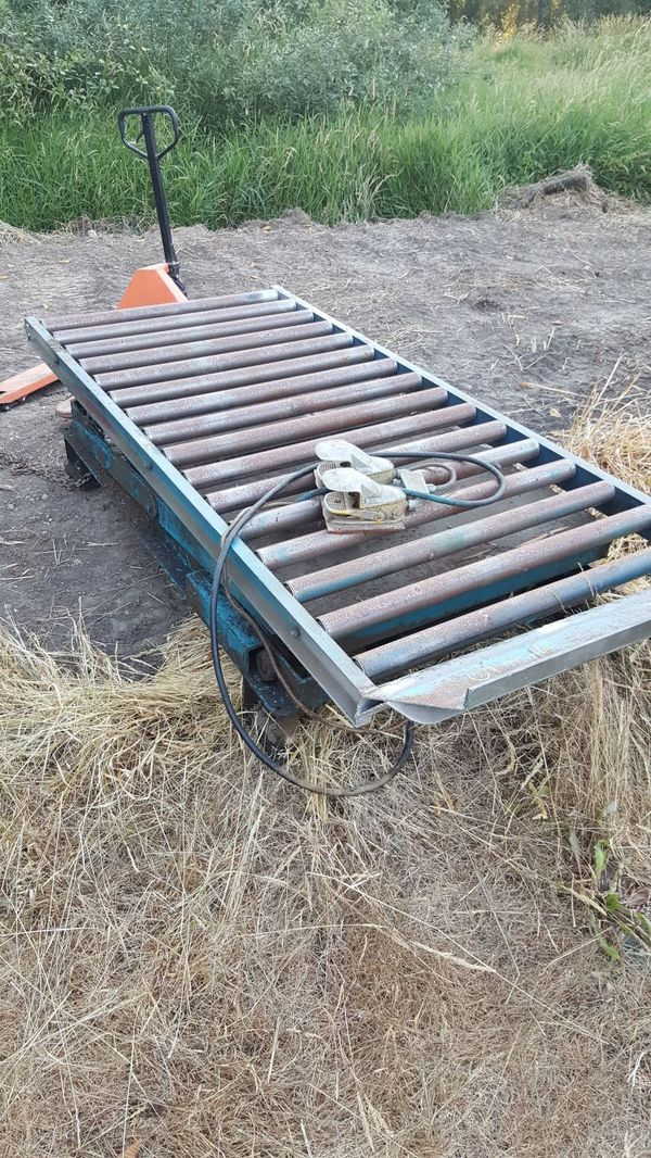 Hydraulic scissor lift rolling top for Sale in Tacoma, WA - OfferUp