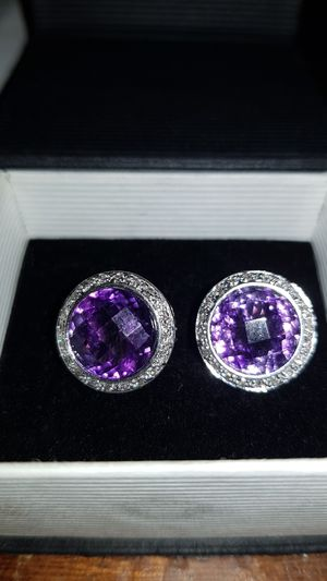 Earings 14k with diamonds for Sale in Kissimmee, FL
