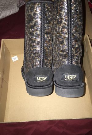 be23ef747a12 Cheetah Glitter UGGS for Sale in Bronx, NY - OfferUp