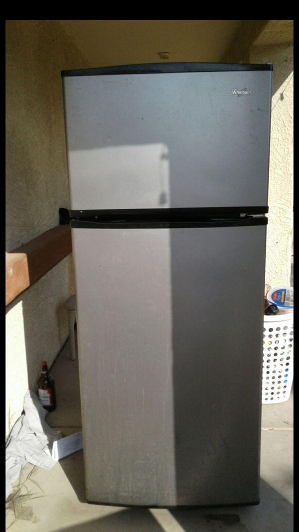 Whirlpool Refrigerator (Chrome) for Sale in Avondale, AZ - OfferUp