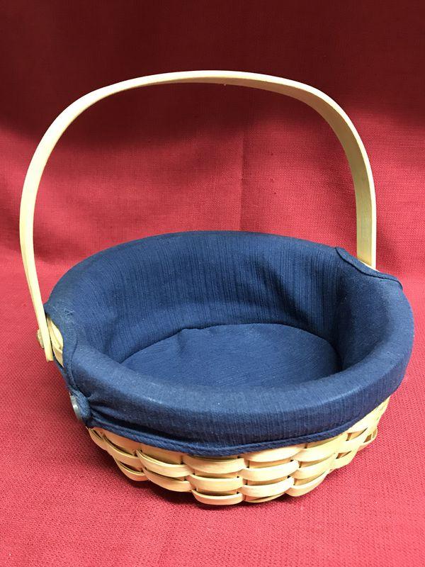 Taskets Renaissance Woven Wood Bread Basket Navy Liner