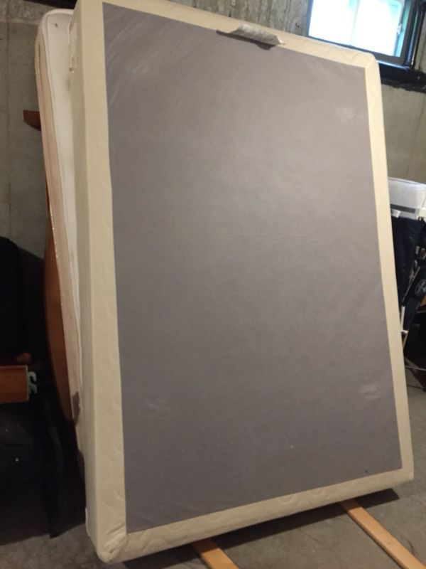 Full size mattress, box, headboard and footboard