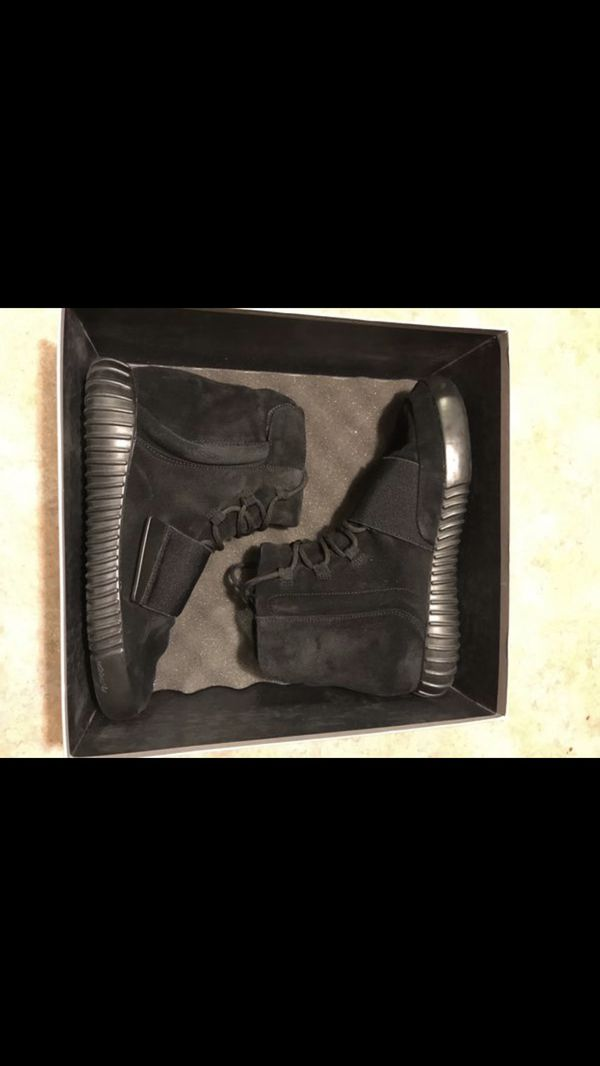 852fb1760 Adidas yeezy 750 100% authentic for Sale in Tucson