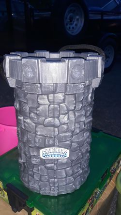 Skylanders castle plus 13 skylanders and storage $30 Thumbnail