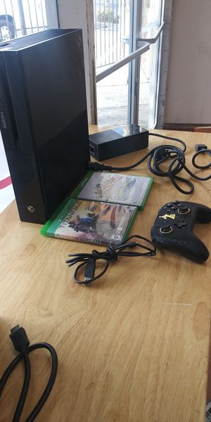 Xbox one console with 2 games for Sale in Bakersfield, CA