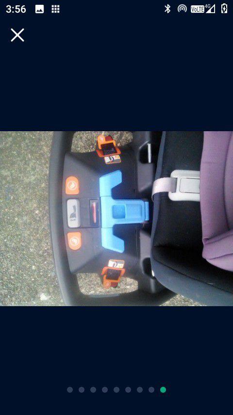UPPAbaby Mesa Car seat W/Base