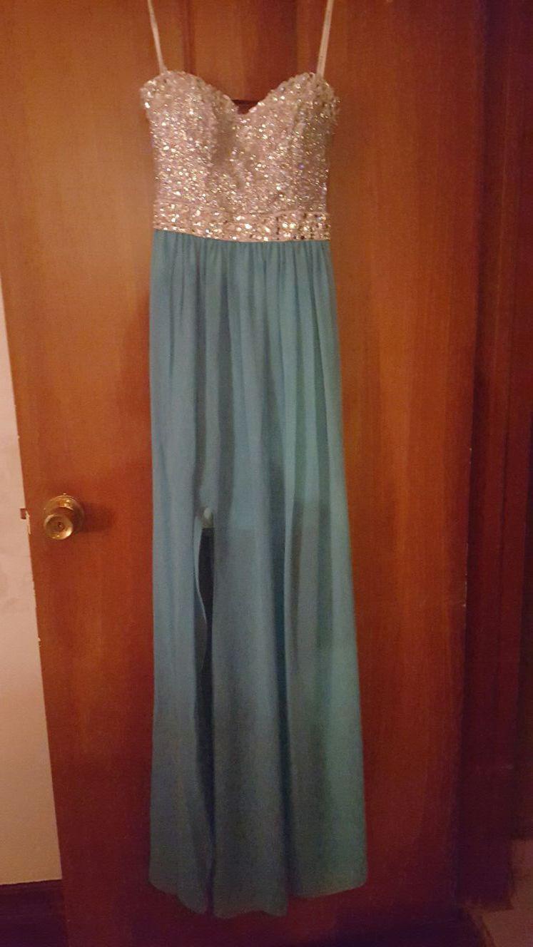 Beautiful prom dresses size 1/2