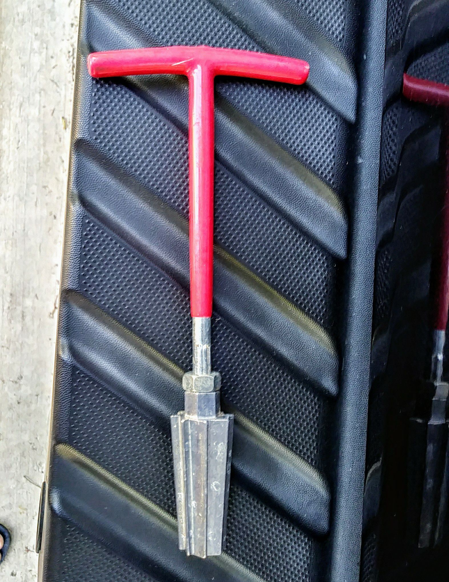 """3/4"""" TO 1"""" RISER EXTRACTOR TOOL"""