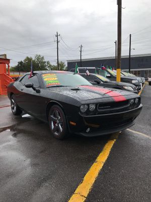 2012 CHALLENGER FULLY LOADED for Sale in Houston, TX