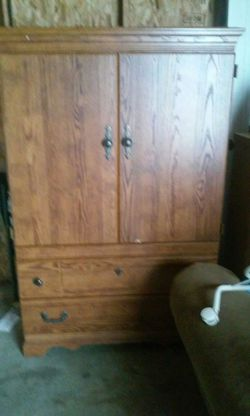 Solid oak Tv cabnit Thumbnail