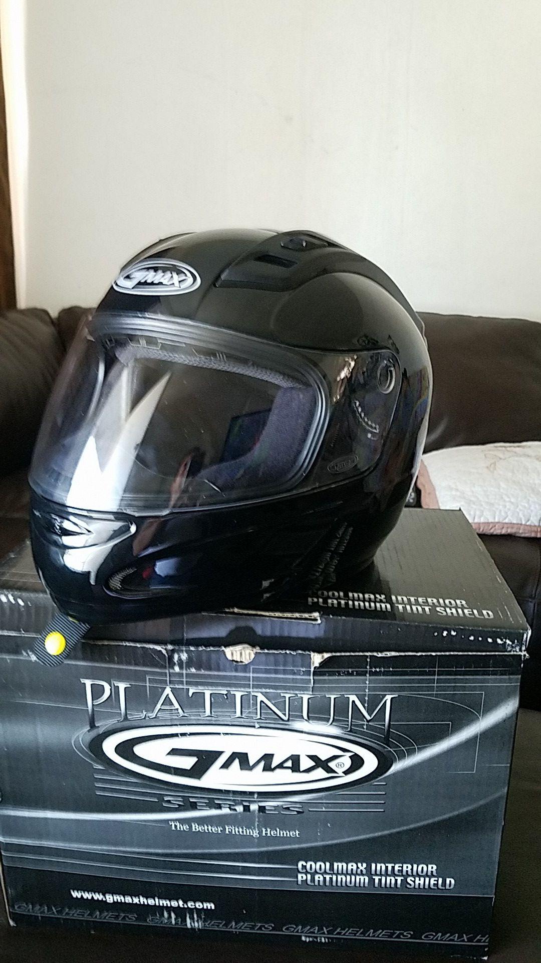 Vendo un Helmet nuebo barato size# M