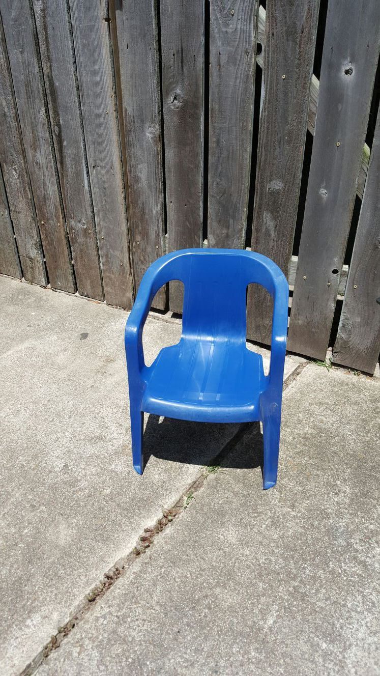 Kids chair. Great shape & durable