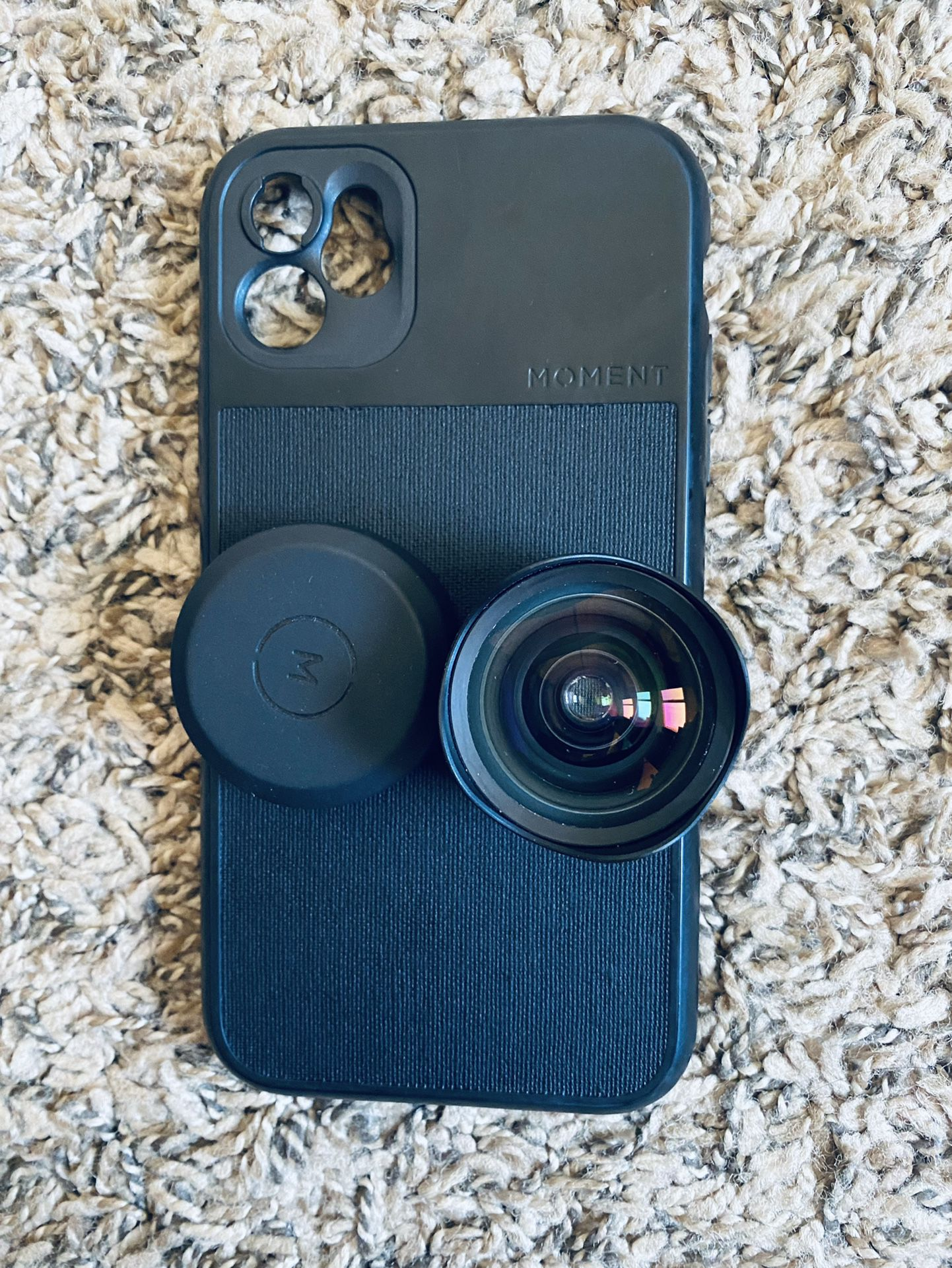 """Moment Lens 18mm """"With The Case"""""""