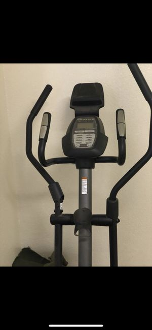 Golds Gym Stride Trainer 350i Elliptical with Tablet Holder for Sale in Silver Spring, MD
