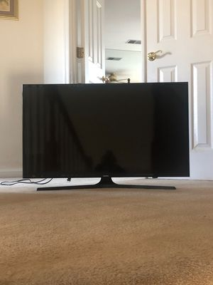40 inch Samsung smart tv it's hdtv for Sale in Manassas, VA