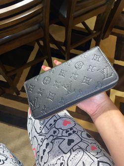 Louis Vuitton Wallet Thumbnail