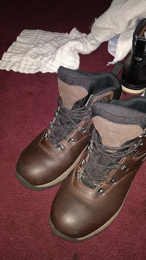 67671416a0e New and Used Hiking boots for Sale in Melbourne, FL - OfferUp