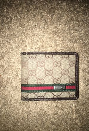 14dd115ed19 New and Used Gucci wallet for Sale in Worcester