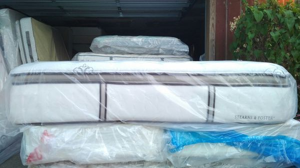 Stearns Foster King Size Pillow Top King Size Mattress And Box