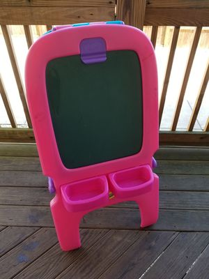 Crayola black/white dry erase board w/ trays for Sale in Baltimore, MD