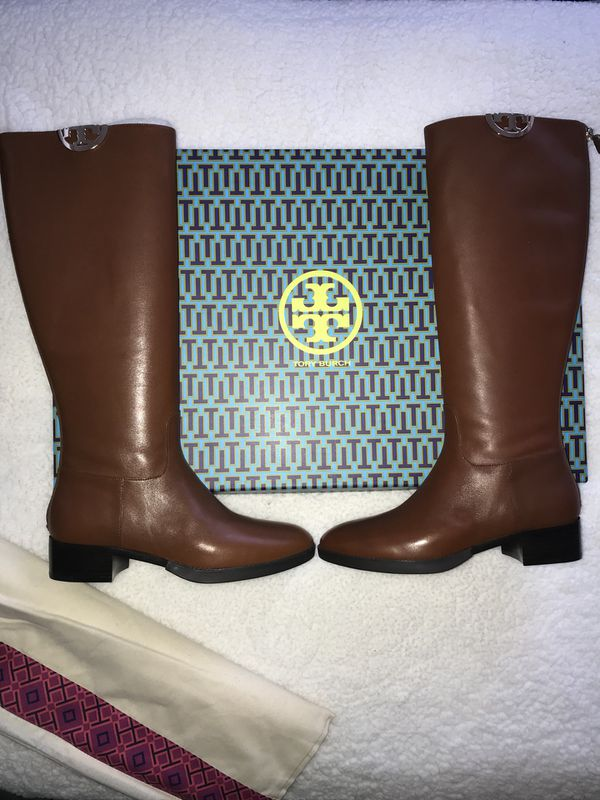 a67d87332c07 New in box Tory Burch boots size 8 for Sale in Buena Park