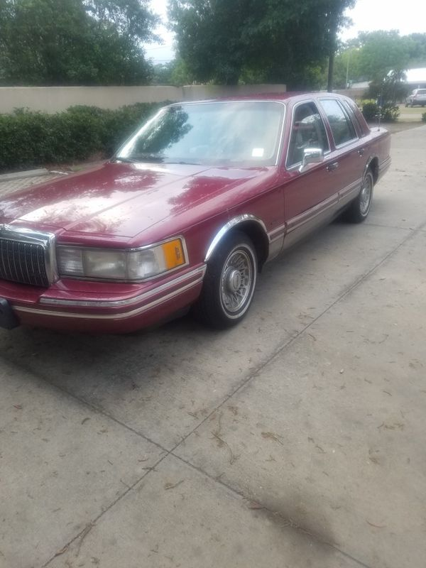 93 LINCOLN TOWN CAR 121K BEAUTIFUL CLASSIC (Cars & Trucks) in Tampa ...