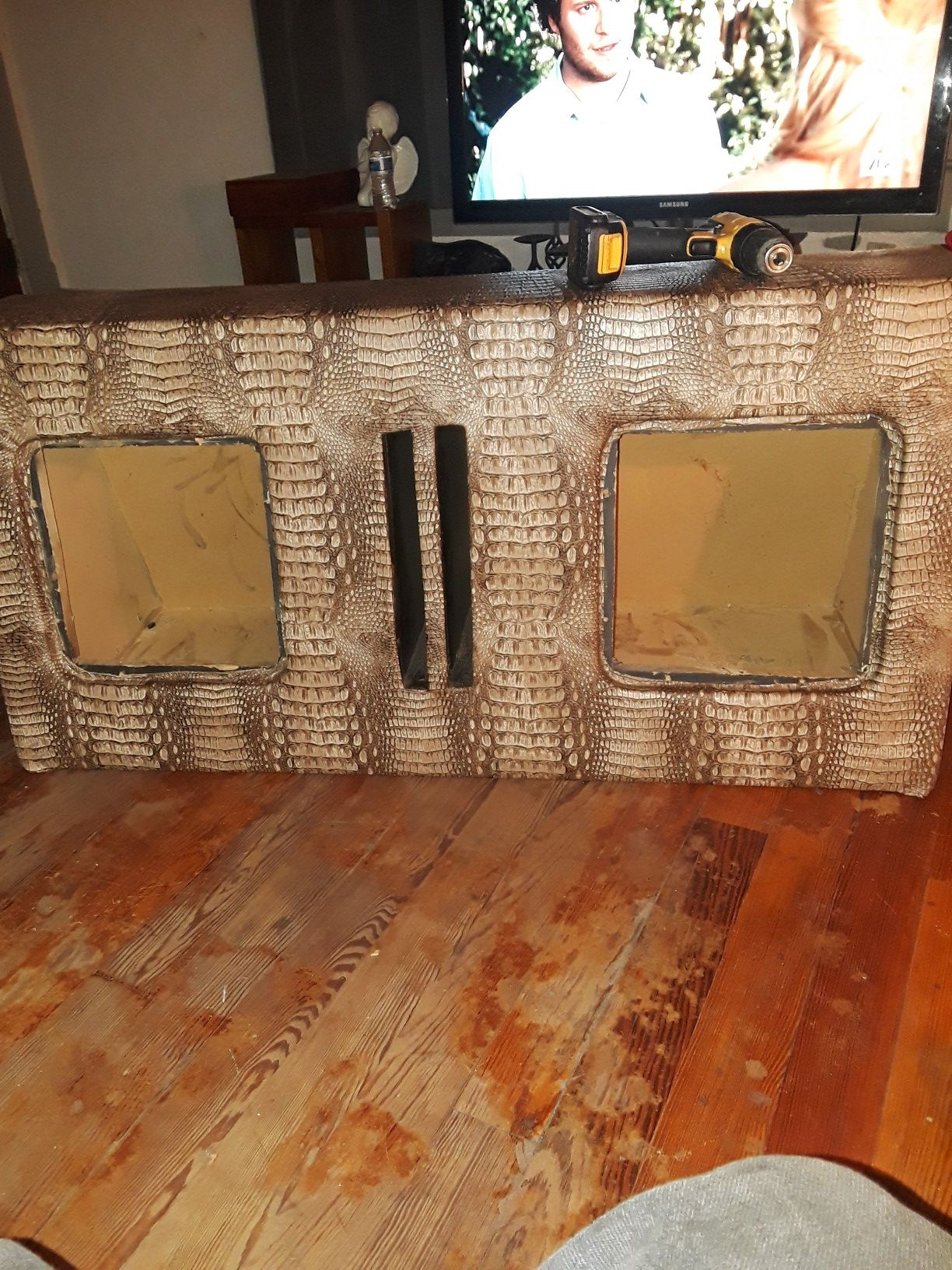 """Custom gator box for 12"""" l7s fit for a surbarban"""
