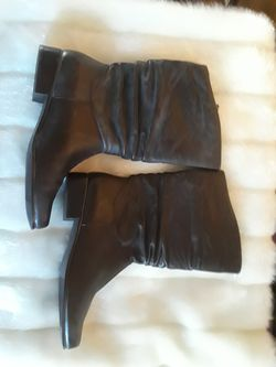 St. John's Bay dark brown boots size 9m Thumbnail